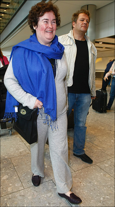 Susan Boyle deixando Los Angeles